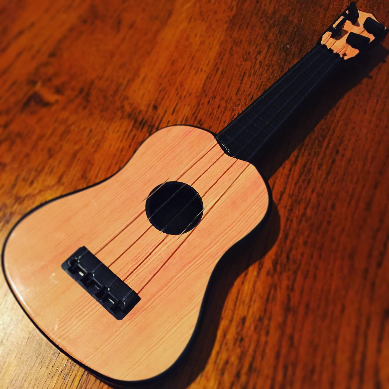 これがダイソーのギター
